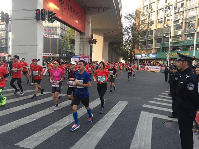 2017宜昌国际马拉松赛安保